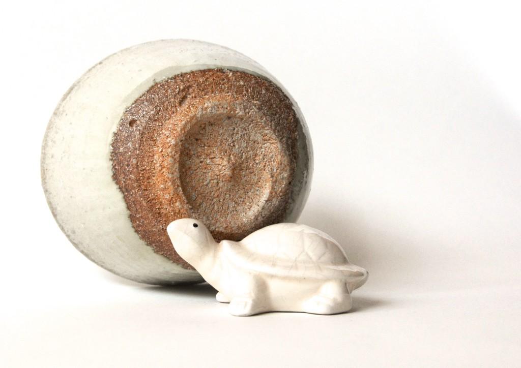 Karatsu-Keramik mit grobem Ton